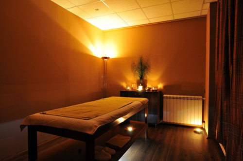How can massage therapists prevent claims?